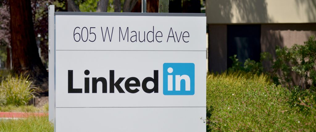 LinkedIn has introduced dark mode on both desktop and its mobile apps